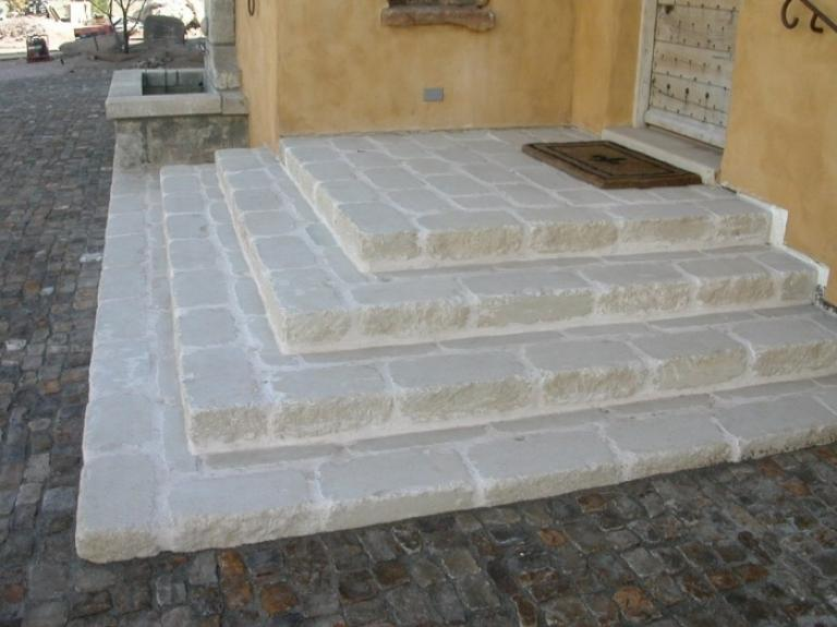 Limestone Tumbled Pavers