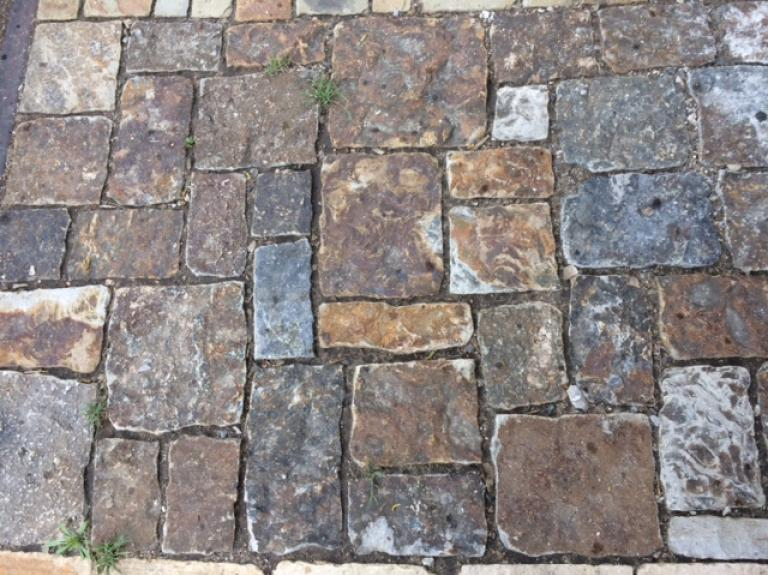 Telluride Gold Pavers Tumbled Mixed Sizes