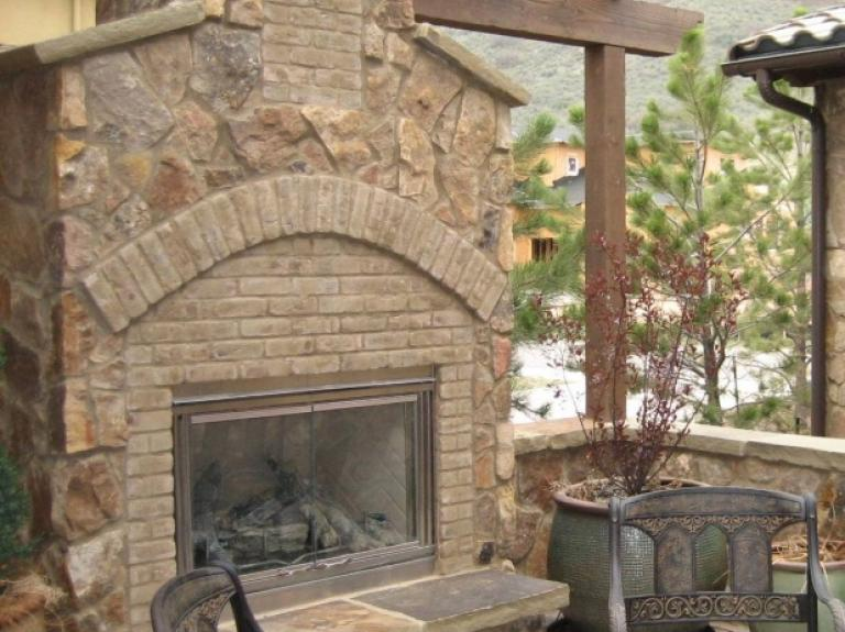 Bear Ranch Fireplace