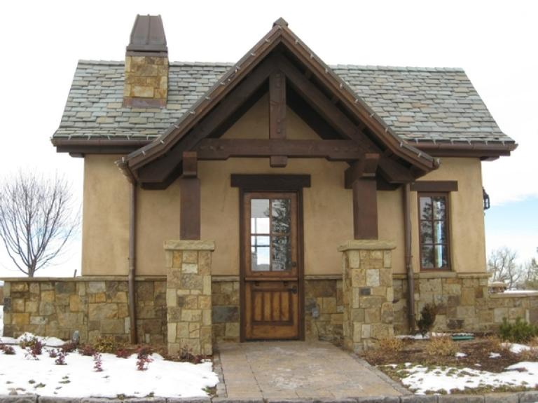 Colorado Blend guard house