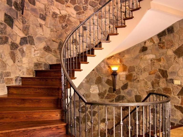 Ticino - Thin Staircase